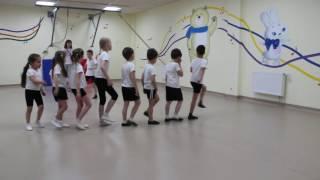 """Физкультурное занятие в частном детском саду """"Счастливое детство"""", Краснодар. Старшая группа."""