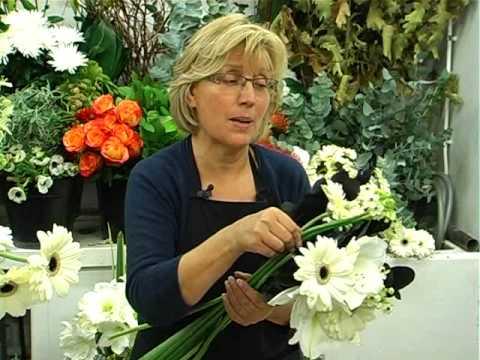 tuto r aliser un bouquet de fleurs noir blanc avec aquarelle youtube. Black Bedroom Furniture Sets. Home Design Ideas