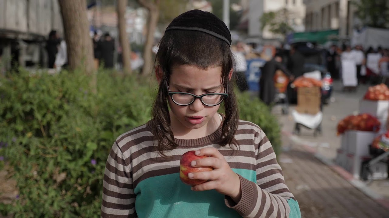 "Oneg Shabbos V'Yom Tov ""Donate A Box LIVE"" Emergency Campaign | עונג שבת ויו""ט - פסח חלוקה"