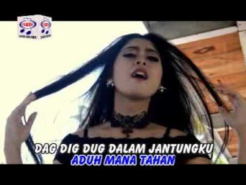 Utami Dewi F - Berdiri Bulu Romaku (Official Music Video)