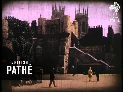 """Glimpses Of York - In Pathecolor Sic  In Can Labelled """"Pathetone Early Colour"""" (1930)"""