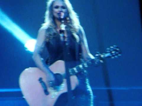 Miranda Lambert White Liar; Mullins Center Amherst MA