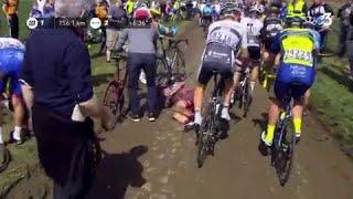 Paris-Roubaix 2018 : Greg Van Avermaet piégé après une chute dans le peloton !