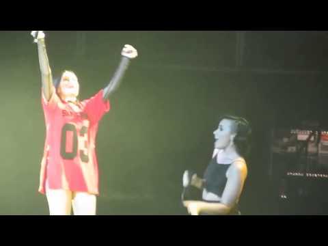 Jessie J feat Demi Lovato - Bang Bang (Live in San Jose, CA)