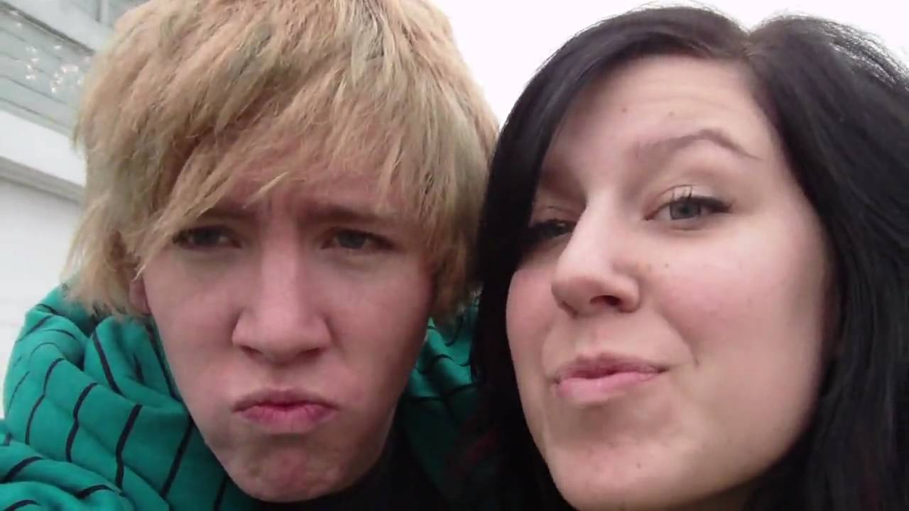 Kissing & Nose Poking - YouTube