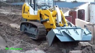 RC crawler loader Liebherr 634 working at the construction site!