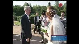 Смотреть видео ТВЦ. Мэр Москвы в парке