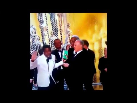 Savage: Morgan Freeman Walks On Stage At The Oscars Just To Get Some Girl Scout Cookies!