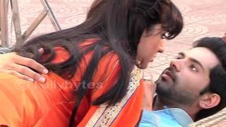 Aditi and Dhruvs BUDDING ROMANCE in Thapki Pyaar ki..