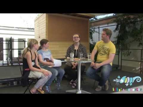 Interview mit den Zeitungsjournalisten Arlette und Luca