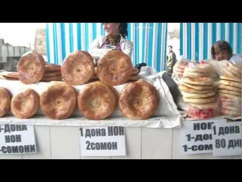 [Tajikistan] Flatbread merchant