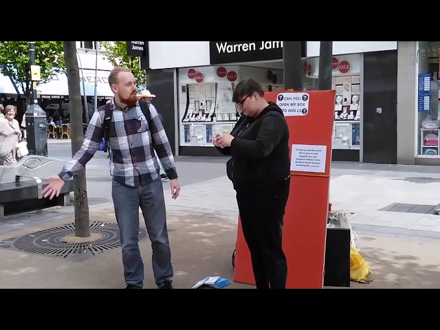 Clown Helps Preacher of Jesus in his Open Air Preaching