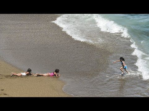 فيروس كورونا: الجزائر تخفّف ساعات الحجر الجزئي وتعيد فتح المطاعم والمساجد  - نشر قبل 18 ساعة