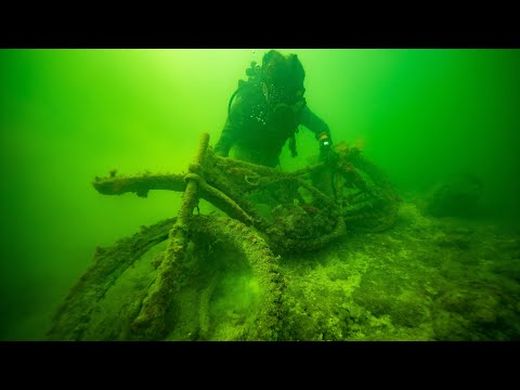 I Found 10 Cars, 2 Motorcycles and a Sunken Boat Underwater in the Florida Keys! (Scuba Diving)