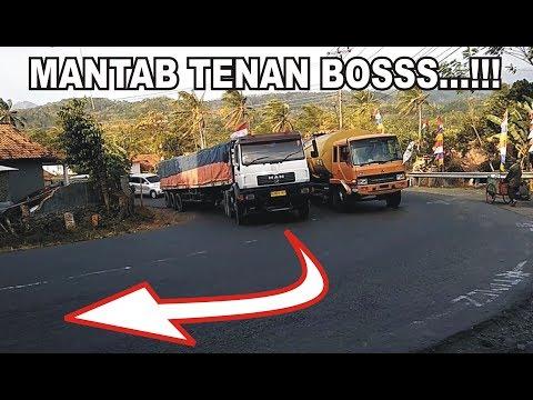 truck-trailer-man-truk-tronton-truk-gandeng-hino-fuso-nissan-diesel-di-tanjakan-balaikambang