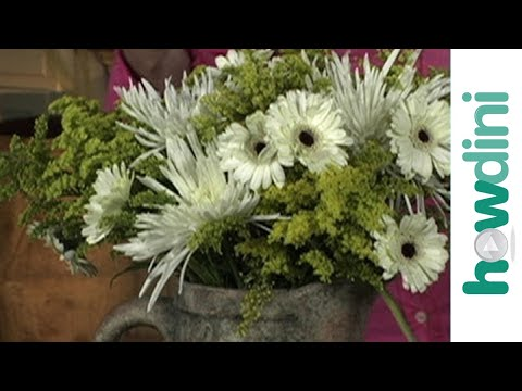 How To Make A Flower Arrangement how to make inexpensive flower arrangements - youtube