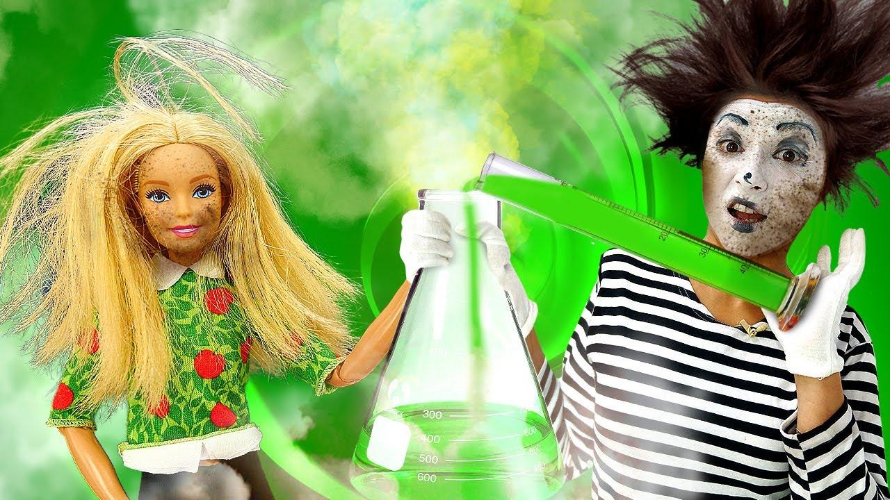 Komik videolar! Barbie ve palyaço sihirbaz olmaya çalışıyorlar! Kimya oyunu!
