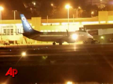 Plane Hijacked on Jamaican Runway; 5 Hostages