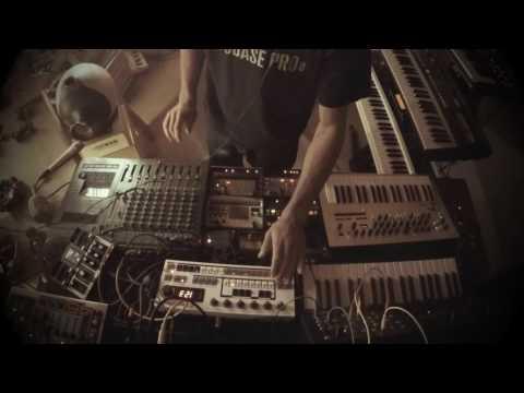 Dub Techno Session #7 (hardware & percussion)