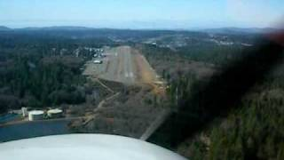 Diamond Star DA40-180 Landing at Grass Valley/Nevada County Airport in California