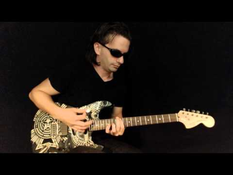 Baustein playing Hysteria (Muse) at Guitar Studio