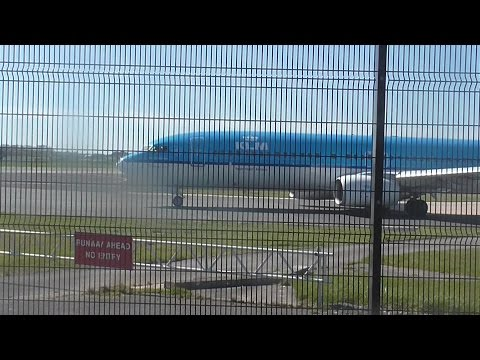 Beautifual Clear Afternoon at Manchester Ringway Int'l Airport 20/04/16
