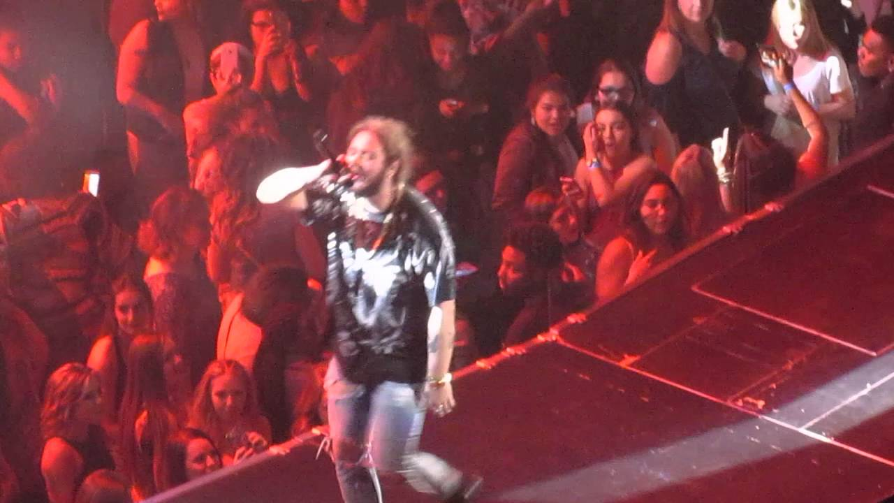 Post Malone- White Iversion- Live at the BOK Center in ...