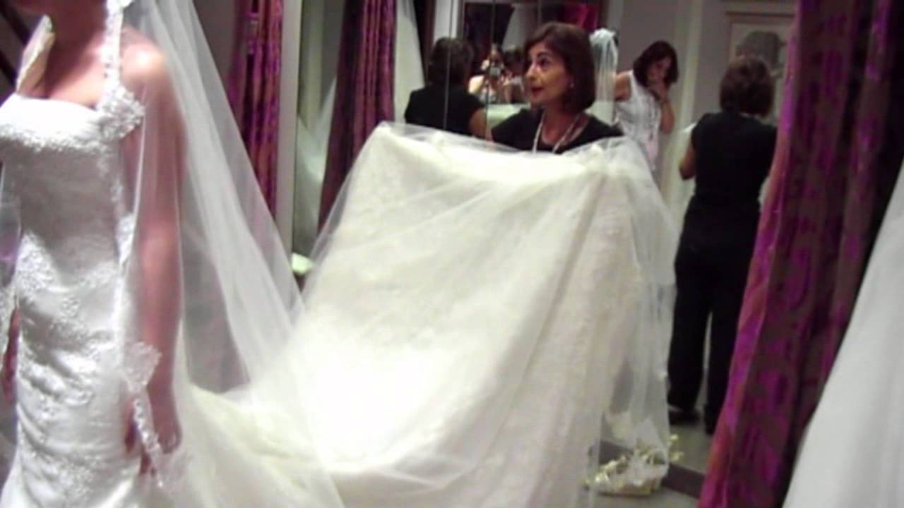 Como agarrar la cola del vestido de novia