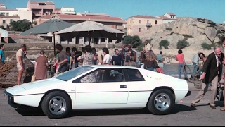 Gambar cover James Bond 007 - The Spy Who Loved Me - Lotus Esprit Car Chase