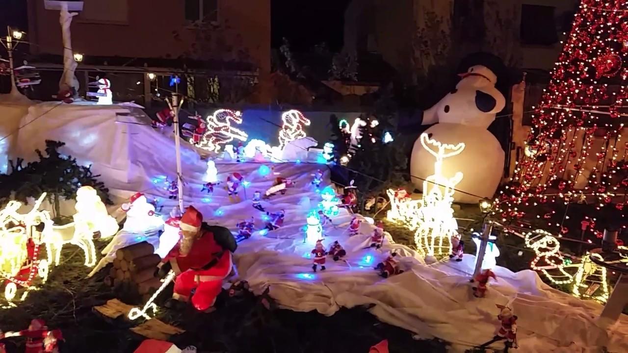 Video Un Jeune Electricien Recree La Maison Du Pere Noel
