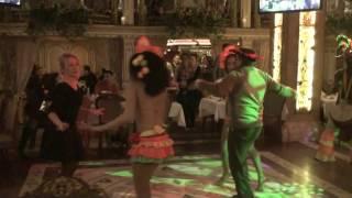 Латино-танцы в ресторане