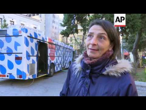 Bus helps Greece's homeless amid poverty surge