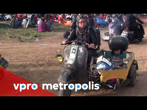 Extreme love for Vespa in Indonesia - vpro Metropolis