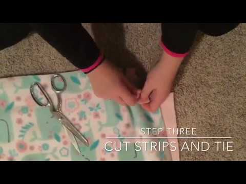 how-to-make-a-fleece-tie-blanket-:no-sew