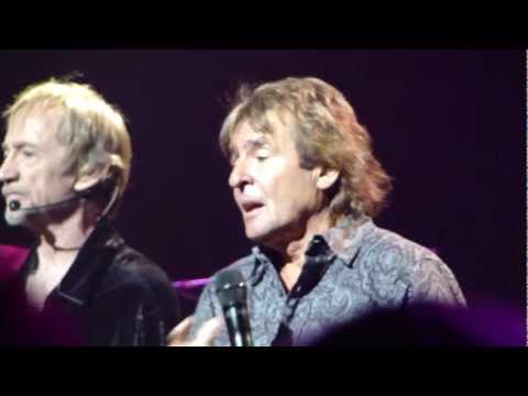 Davy Jones - Monkees - Daydream Believer - Beacon 2011.MP4