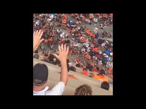 Houston Astros Fans Return Dropped Hat || ViralHog