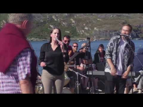 'Collage' (Cork Music Group) 'live' on the pier outside O' Sullivans bar - Crookhaven