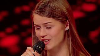 """Emeli Sandé - """"Read All About It"""". Vezi aici cum cântă Ioana Mîrți pe scena X Factor"""