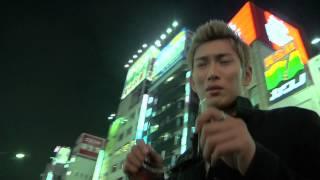 歌舞伎町で生まれ、物心のつく4歳ごろには、金属バットを振り回していた...