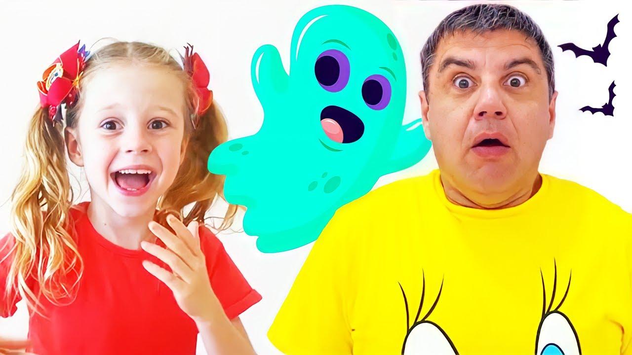 Nastya y papá fingen jugar bromas de Halloween