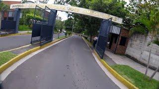 UNIVERSIDA CENTRO AMERICANA ( UCA ) EL SALVADOR.