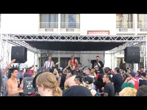 Booze & Glory - Skinhead Love Affair (Bad Manners Cover) @ Pool Party  Punk Rock Bowling 2015
