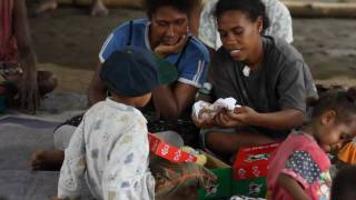 Music Video: Love in a Box by Melisa Bester (Operation Christmas Child 2010)