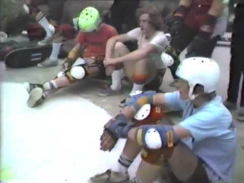 Kiddy 81 skateboarding