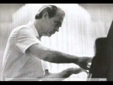 Witold Malcuzynski plays Chopin Waltz in E minor Op. Posth.