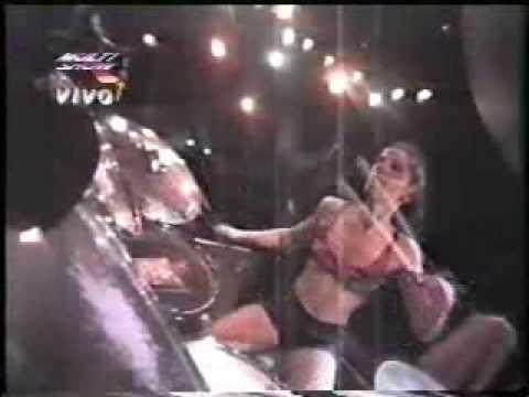L7  Wargasm   in Rio with Kurt & Courtney on stage