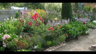 """Клумба - дизайнерская находка садовода и """"парад"""" цветов"""