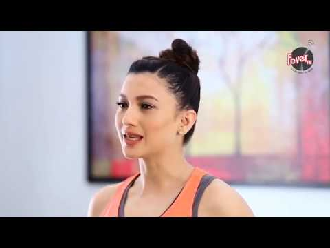2 minutes fitness with Gauhar Khan