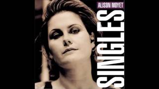 Watch Alison Moyet The First Time Ever I Saw Your Face video
