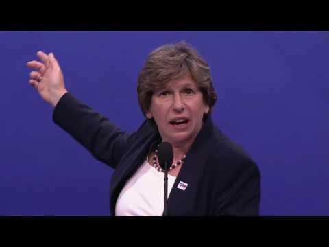 Randi Weingarten Introduces Hillary Clinton